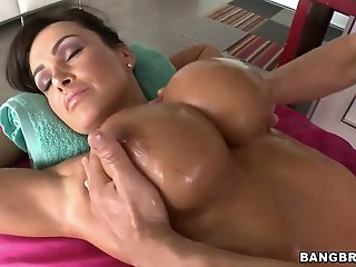 Lisa Ann is getting the hot..