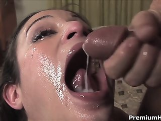 Submissive Amber Rayne gets..